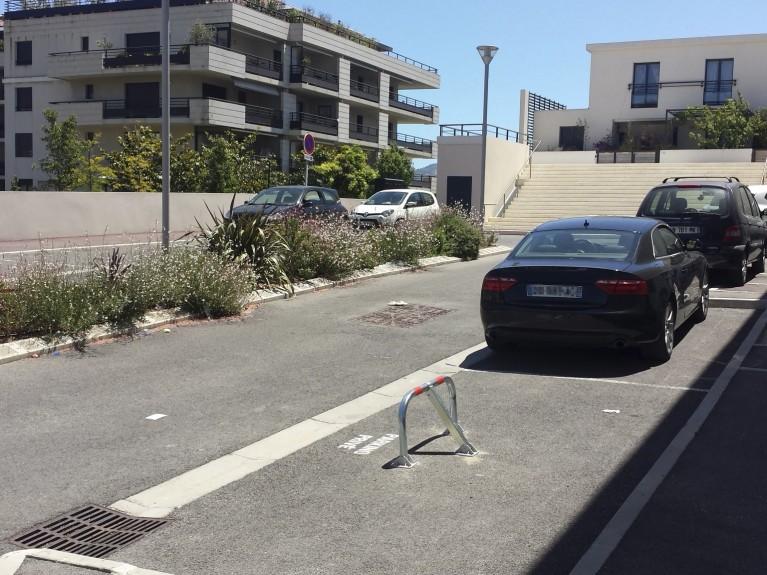 parking surveille marseille