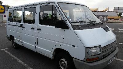 louer minibus entre particuliers annonces de location voisins kiwiiz. Black Bedroom Furniture Sets. Home Design Ideas